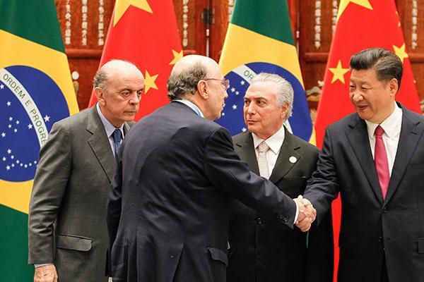 Os ministros das Relações Exteriores, José Serra (e), da Fazenda, Meirelles, e o presidente Temer com o presidente da China, Xi Jinping