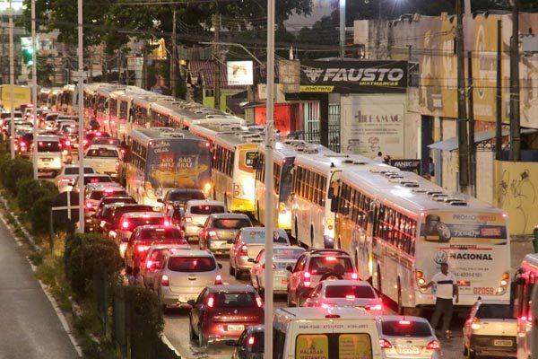A falta de mobilidade urbana é um dos principais problemas das cidades. As soluções convencionais dependem de muitos recursos e mega projetos. Criatividade pode ajudar a encontrar soluções