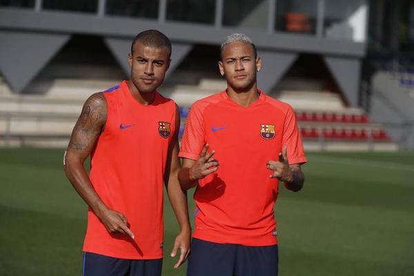 Depois de quase quatro meses, Neymar volta ao Barcelona em alta