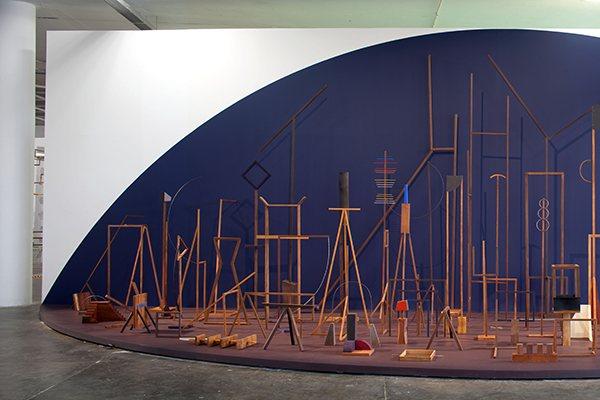 Instalação de Ana Mazzei