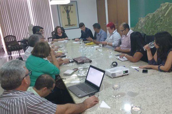 Gustavo Nogueira informou sobre um possível fracionamento de salários em reunião com sindicatos