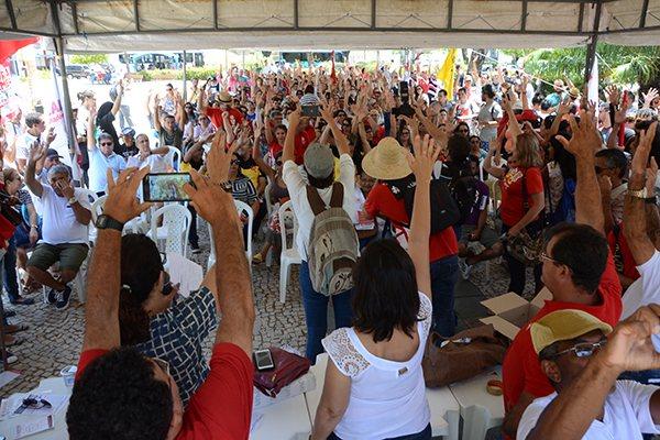 Na manhã de ontem, diversas categorias se reuniram em assembleia geral unificada, aprovando indicativo de mais dois protestos