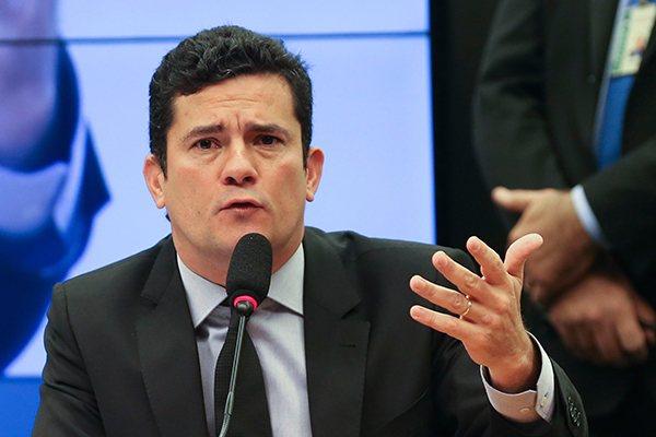 Após debate com Moro, senadores apresentam substitutivo a projeto