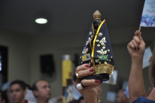 Dia 12 de outubro é comemorado o dia da Padroeira do Brasil, Nossa Senhora Aparecida
