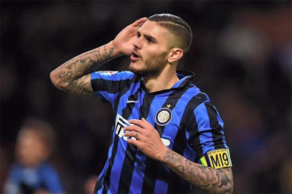 O argentino Icardi lembra em seu livro que discutiu com torcedores da Inter