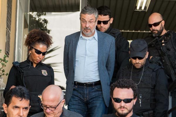 Antonio Palocci é indiciado por corrupção passiva e planilha indica que teria recebido R$ 6 milhões