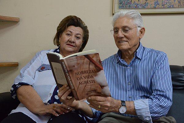 Resultado de imagem para fotos do livro nobrezas da vida agreste