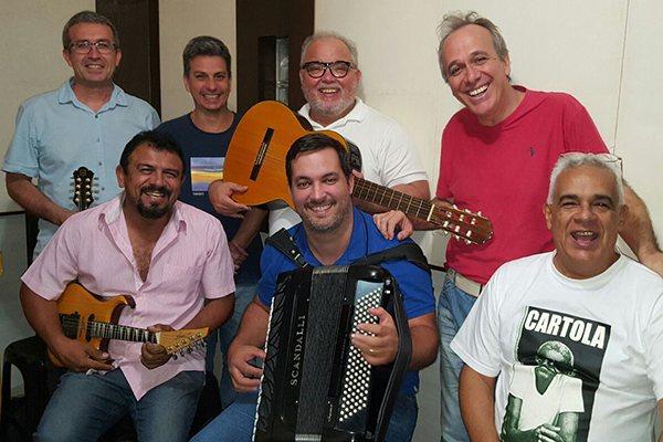 Grupo Rojão mescla clássicos do forró e do samba