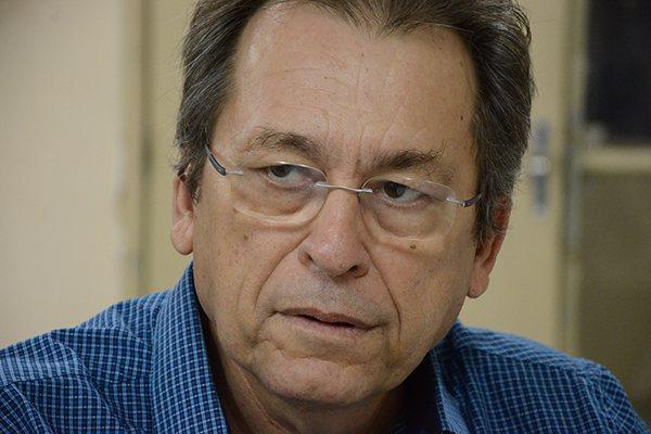 Professor aposentado da UFRN explica porquê vários municípios do RN não deveriam estar com o sistema em colapso