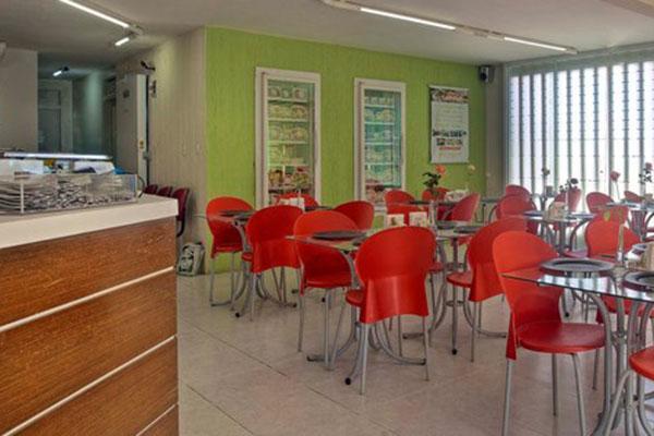 A Nutre conta com um amplo e confortável espaço para almoço, sempre de segunda à sexta