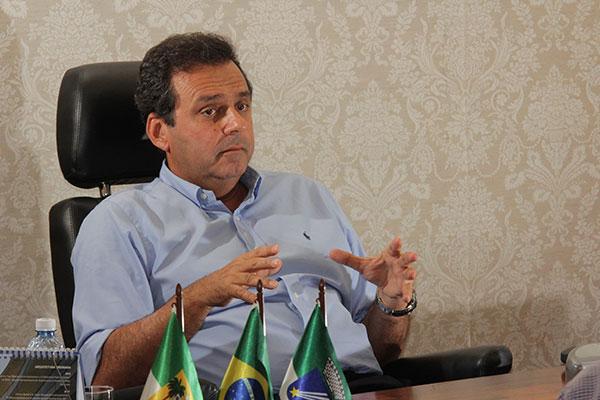 Carlos Eduardo garante continuidade da política de editais