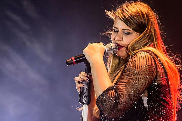 Sofrência: Marília Mendonça faz show na Shock