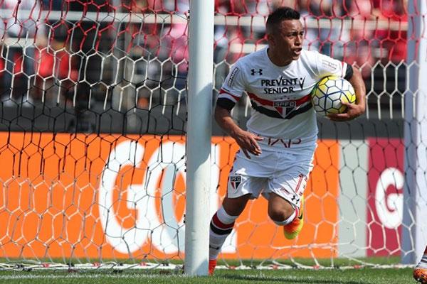 O meia peruano Cueva rapidamente se tornou um dos principais nomes do São Paulo nesta temporada