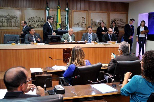 Vereadores reclamam da ausência de execução das emendas impositivas aprovadas para a LOA