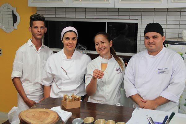 A chef e sua equipe