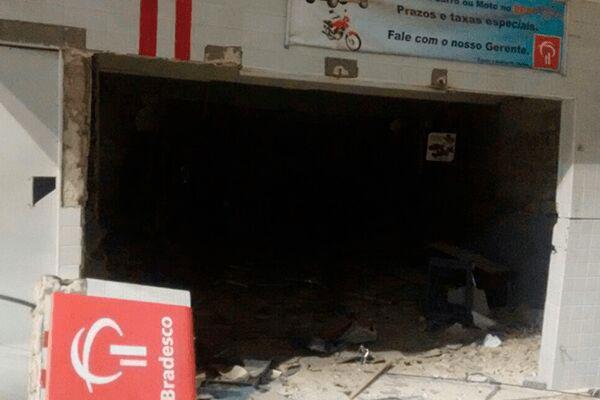 Posto de atendimento ficou destruído após explosão