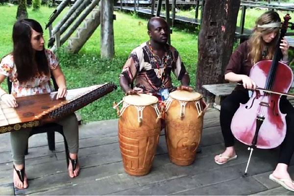 Instrumentistas de vários países misturam sonoridades em parceria com jovens músicos do RN