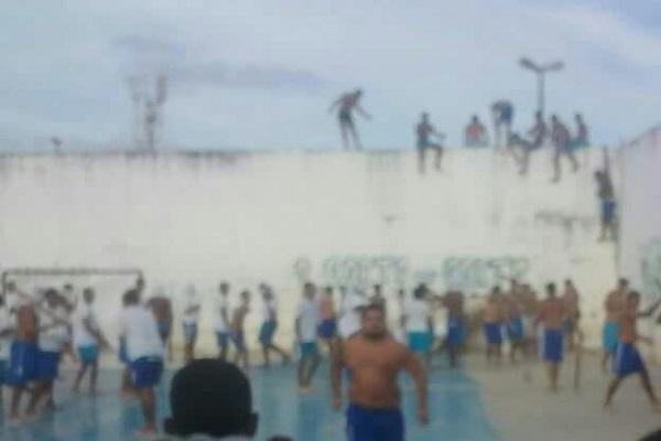 Rebelião em presídio no RN deixa pelo menos 10 mortos
