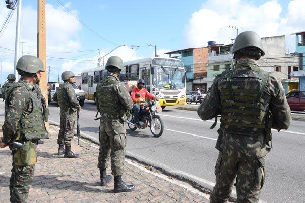 Exército inicia patrulhamento nas ruas de Natal