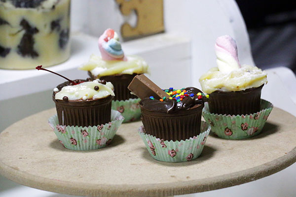 Brownie Café serve cupcakes e bolos de taça