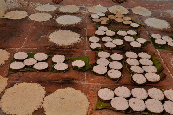 Em Tabatinga, a Casa da Tapioca serve a iguaria no forno a lenha, com base de barro