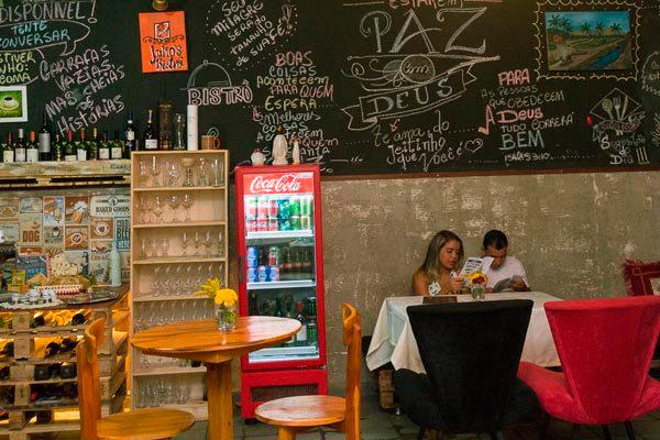 Ambiente despojado do bistrô é parada obrigatória para quem vai a São José ou Pipa