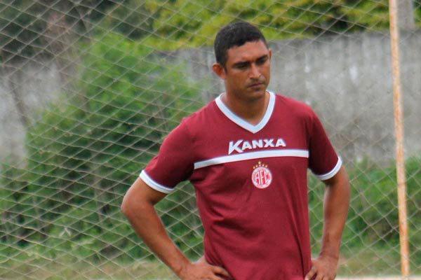 Lúcio Curió teve passagens pelo América e também jogou no ABC