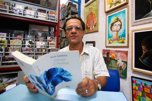 Severino Ramos festeja duas décadas à frente do reduto cultural que congrega músicos e literatos