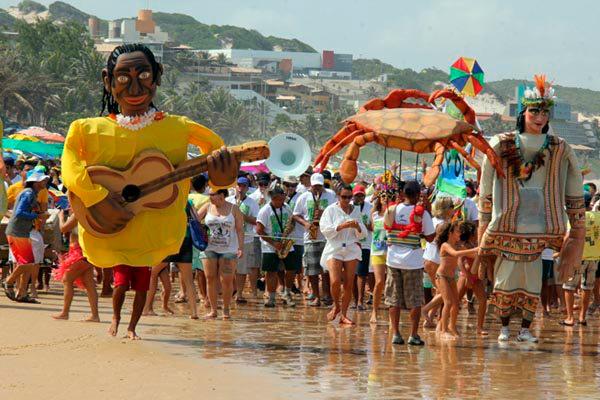 Bloco APonta desfila neste sábado na orla de Ponta Negra