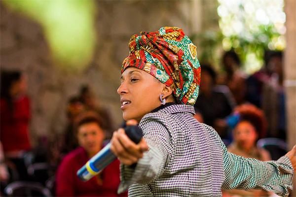 Rapper Luana Hansen, de São Paulo, é a convidada do Baile Black do Sensimilla