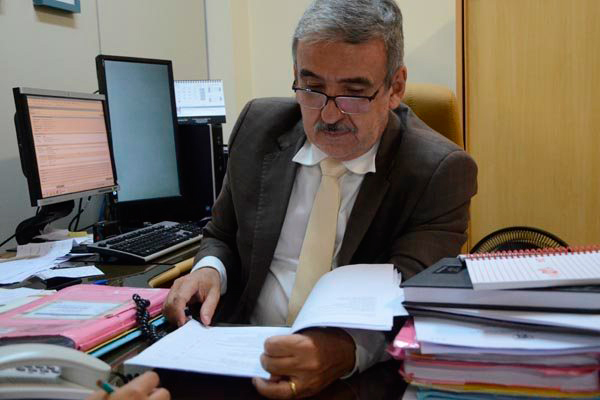 """""""Se tiver que fazer isso, todo o dinheiro do Estado vai ser apenas para pagar indenizações de presos"""", afirmou o Juiz Henrique Baltazar"""