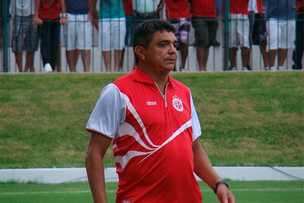 Flavio Araújo é o novo treinador do América