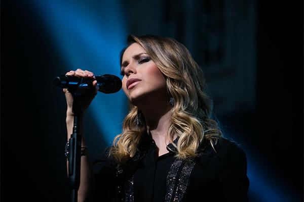 """A artista está de volta a Natal para show do novo disco Meu Canto"""", acompanhada de uma super banda"""