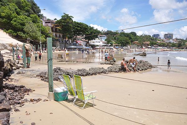 Guarda-sóis foram retirados nas proximidades do Morro do Careca, o que deixou alguns banhistas insatisfeitos