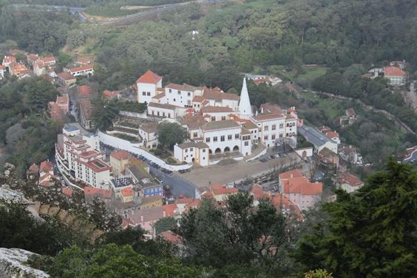Sintra está localizada na Região Metropolitana de Lisboa e é considerada Patrimônio da Humanidade
