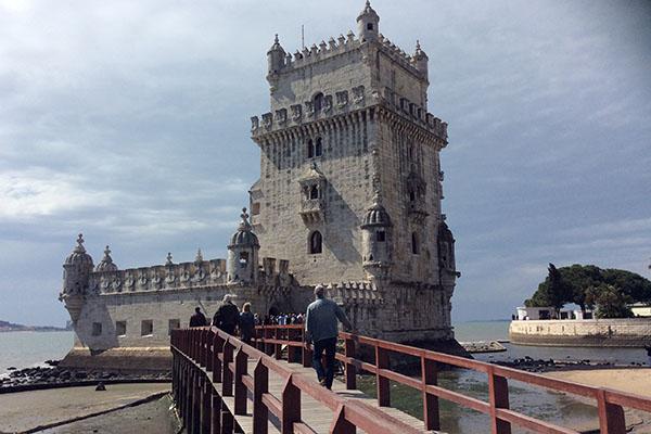 A Torre de Belém é um dos cartões postais mais visitados em Portugal