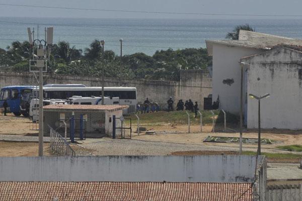 Ônibus levavam os presos transferidos ao Pavilhão 5