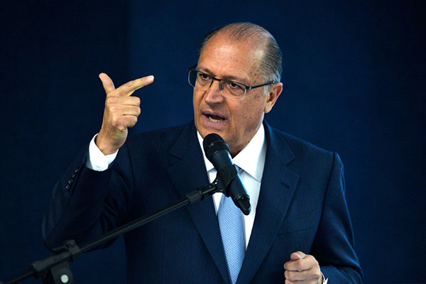 Geraldo Alckmin afirma que PSDB pode deixar base aliada a qualquer momento