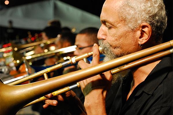 """Para Gilberto Cabral, o trombone contribui com o """"gingado"""""""