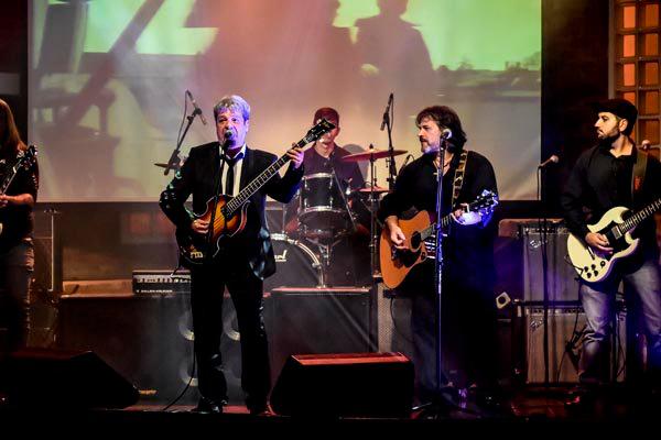 Grupo interpreta 20 músicas representativas do ex-Beatle