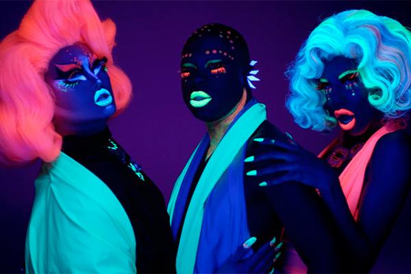 Luz negra, tinta neon e psicodelia para brilhar na pista
