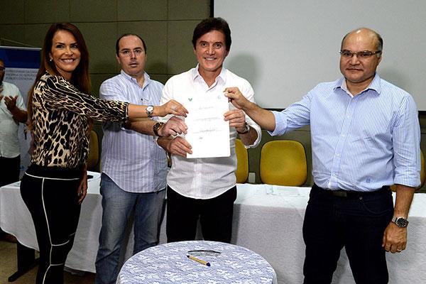 Convênios foram assinados pelo governador, em Mossoró, em março passado