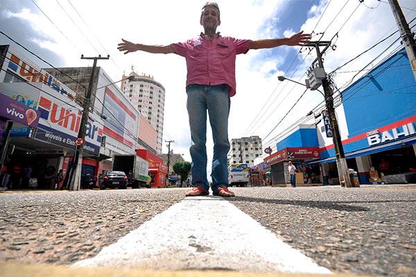Livreiro e sebista Abimael Silva revisita suas memórias e analisa o fervilhante e democrático cotidiano da velha Cidade Alta