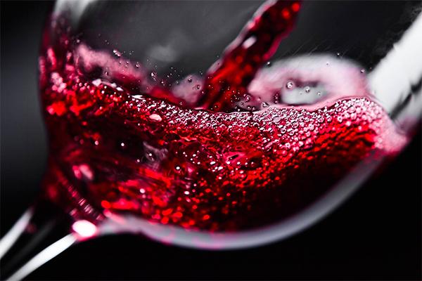 Nos vinhos placebos, os artifíciosusados por produtores buscam vantagem comercial imediata