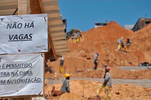 Na prática, há 33 mil pessoas a mais sem emprego no Rio Grande do Norte, em comparação a igual trimestre de 2016. Alta foi de 15%
