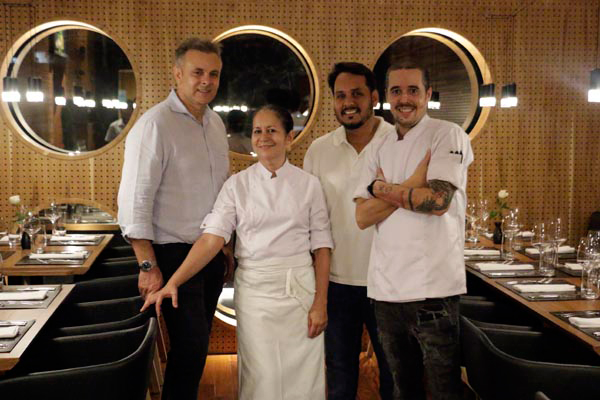 Uelinton Ribeiro, proprietário do prédio, conta com a parceria de três experts do ramo: os chefs Sonia Benevides e Marcelo, e o importador de vinhos Rodrigo Lima