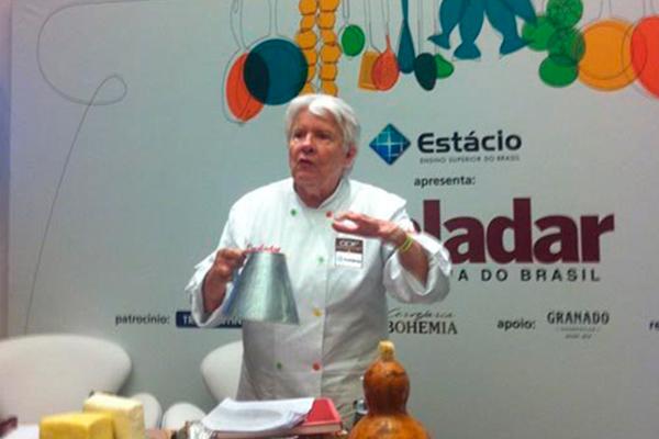 Obra de Ana Suassuna desperta interesse na cozinha do sertão