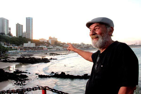 Eduardo Alexandre Garcia na Praia dos Artistas que, há 40 anos, era a praia da moda
