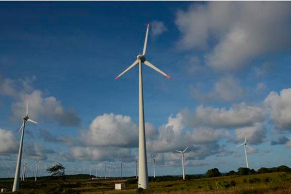 Ao final de abril deste ano, havia 414 usinas eólicas em operação comercial no país, a maioria no RN