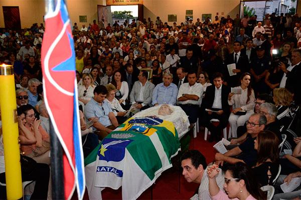 Wilma de Faria, ex-governadora, morre de câncer em Natal